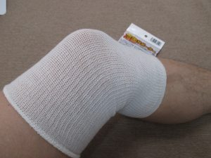 膝サポーター③遠赤外線放射性繊維セラムA使用
