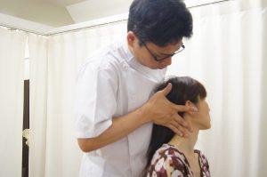 首の筋膜リリースストレッチ
