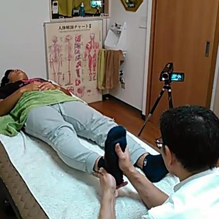 足首と外くるぶしの微調整