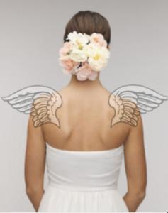 肩甲骨天使の羽ウエディングドレス