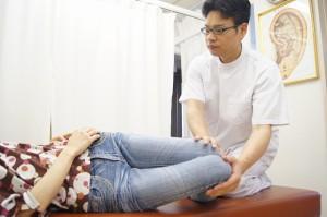 膝倒し検査