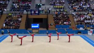 男子新体操団体は、床での演技のみ