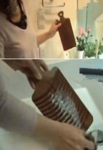 洗濯板でシコシコこする