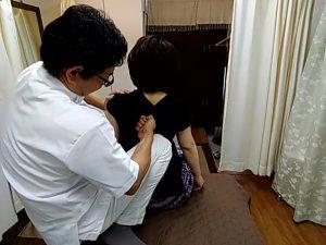 岡山県倉敷市から肩甲骨はがし治療院探し